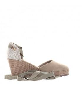 Hnedé sandále na platforme...